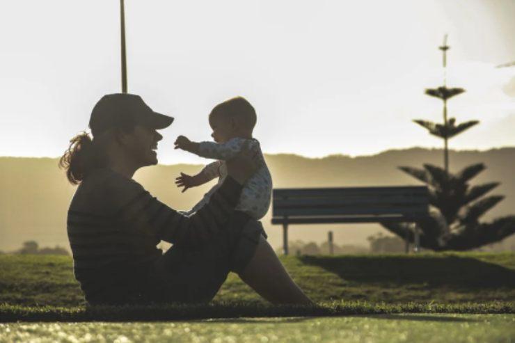 Cose da non dire ad una neo mamma: frasi inopportune
