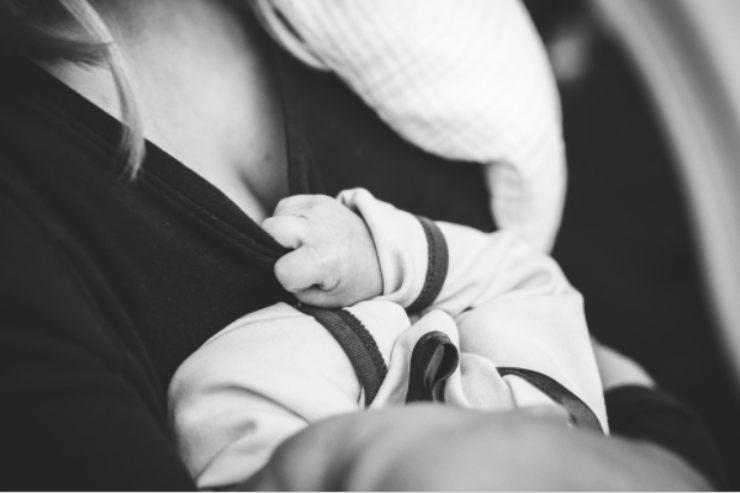 Tre regole da seguire se andate a trovare un neonato