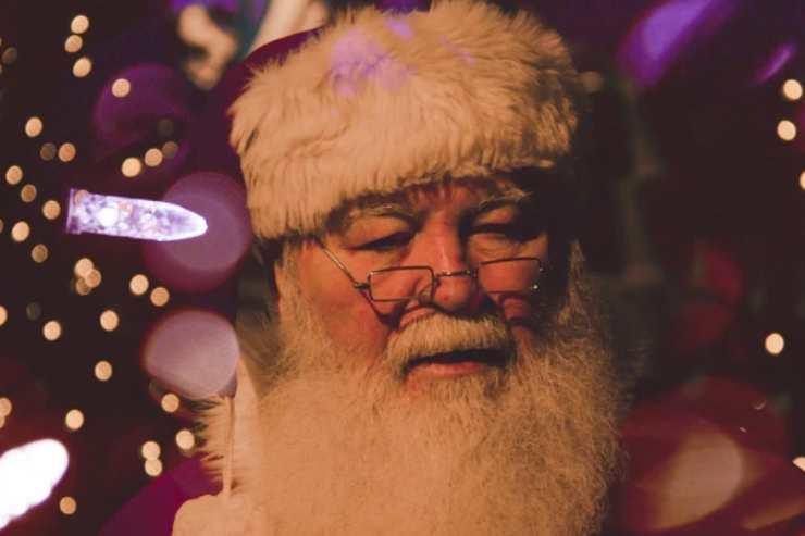 Babbo Natale e bambini: come intrattenerli nell'attesa dei regali