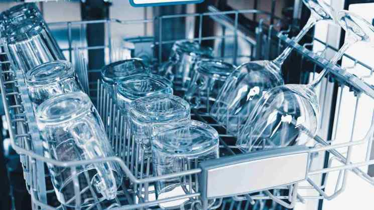 Come pulire la lavastoviglie, i rimedi naturali infallibili!