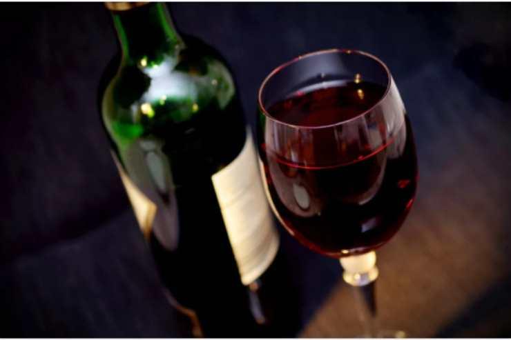 Il metodo furbissimo per riutilizzare il vino vecchio