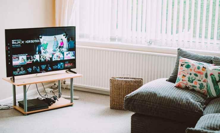 pulire schermo tv