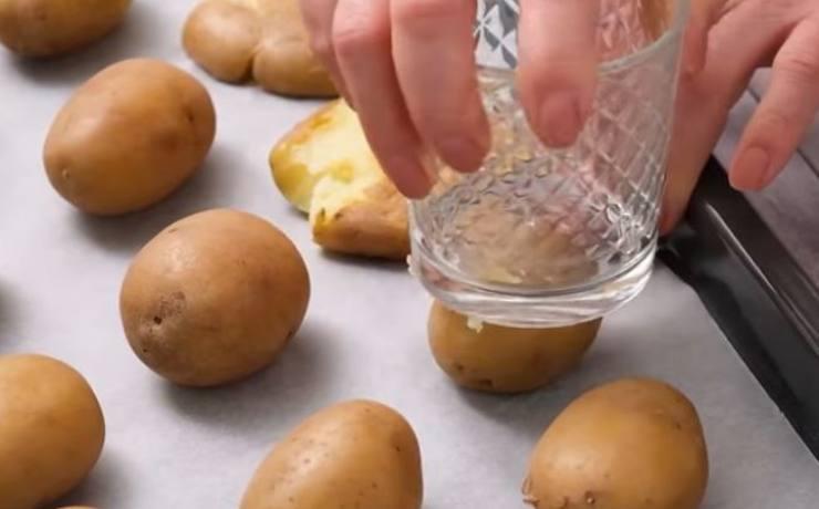 patate schiacciate croccanti