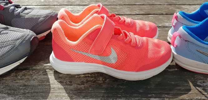 pulire scarpe tennis