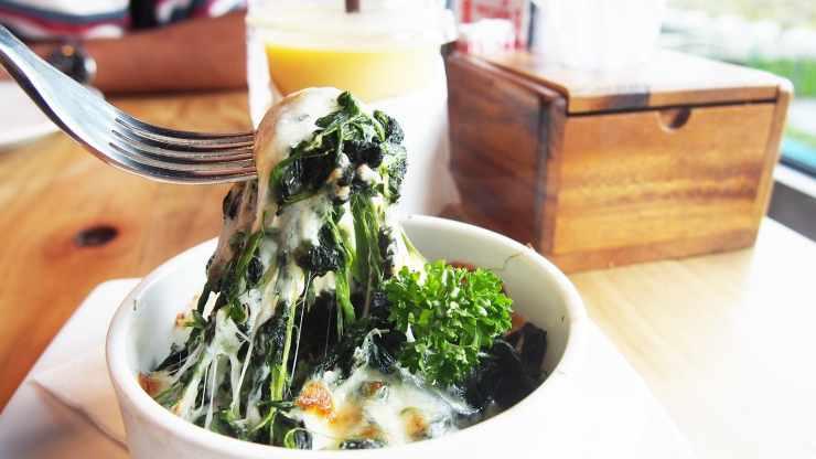 contorno di spinaci e mozzarella