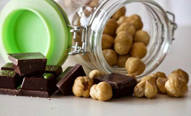 nocciole e cioccolata
