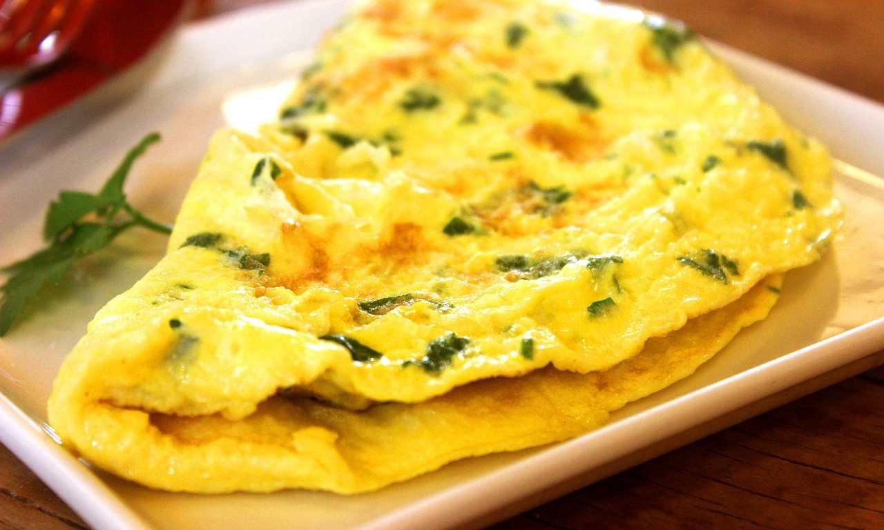 Ricetta Omelette In Francese.Omelette Aggiungi Questi 2 Ingredienti E Farai Un Piatto Da Leccarsi I Baffi