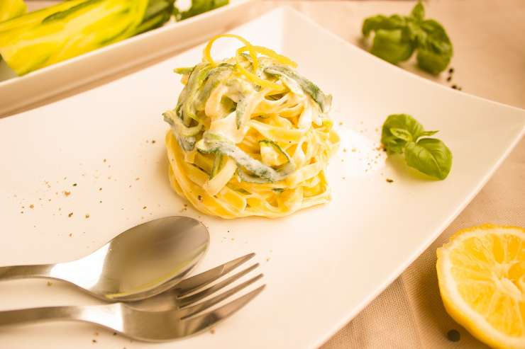 pasta zucchine 5 minuti