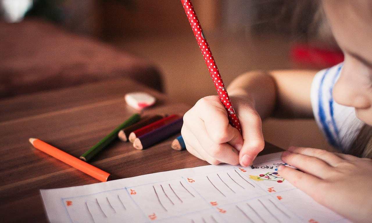 compiti casa genitori bambini
