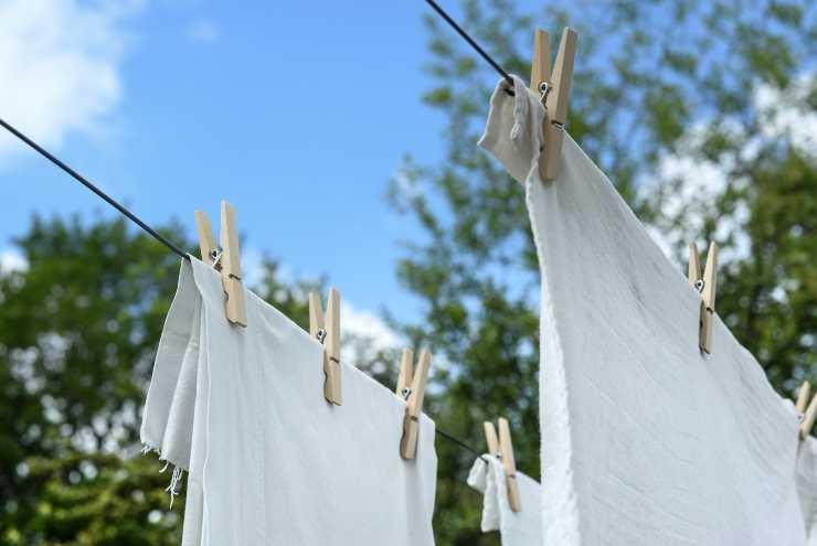lavatrice sgualcisce vestiti