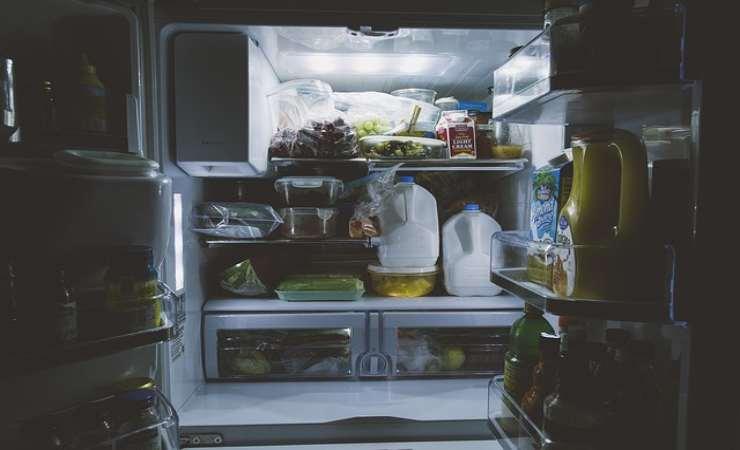 pulire parte frigorifero
