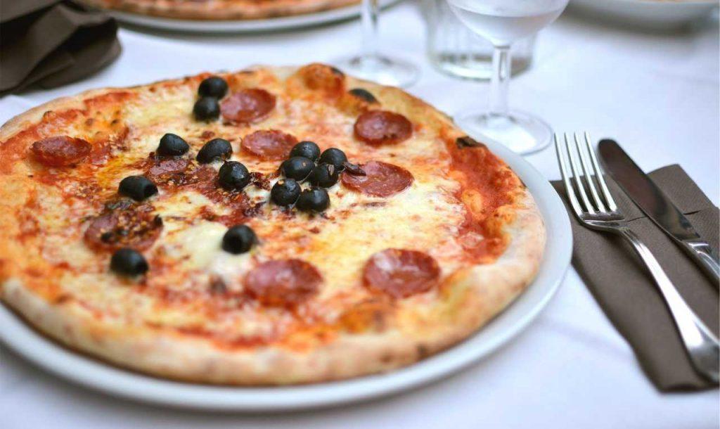 pizza scamorza tonno