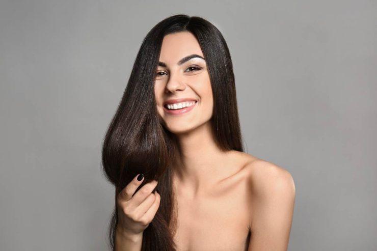 capelli effetto liscio