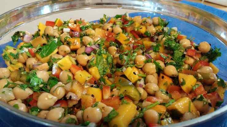 insalata fresca ceci