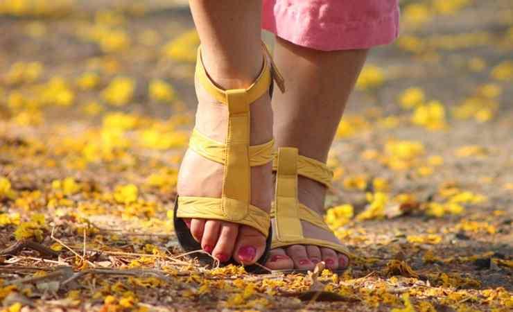 sandali stretti