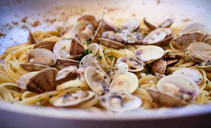 spaghetti con i frutti di mare